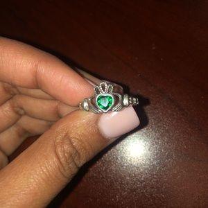 Jewelry - Claddagh ring